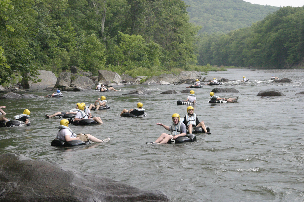 Town Tinker - Group Tubing on the Esopussm
